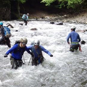 「ぶなの沢ヤであるために〜」  渡渉・救助訓練@奥多摩 2015/6/27-28