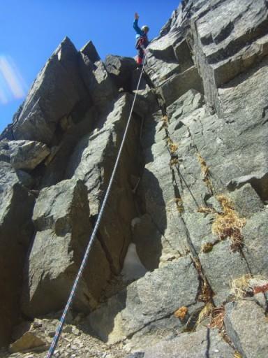 9:25 Ⅱ峰登り返しは1ピッチ。